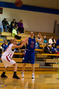 20120130_Girls_Basketball_B_Luverne_092_Noiseware4Full