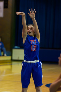 20120130_Girls_Basketball_B_Luverne_057_Noiseware4Full