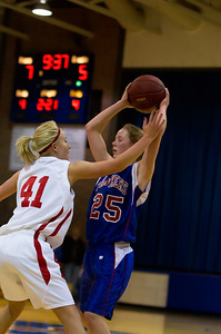 20120130_Girls_Basketball_B_Luverne_042_Noiseware4Full