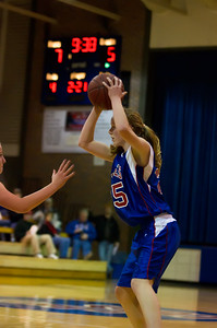 20120130_Girls_Basketball_B_Luverne_041_Noiseware4Full