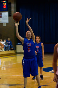 20120130_Girls_Basketball_B_Luverne_096_Noiseware4Full