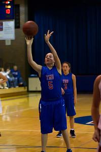 20120130_Girls_Basketball_B_Luverne_096_Noiseware4Full