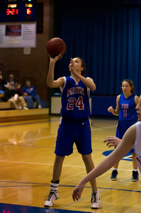20120130_Girls_Basketball_B_Luverne_054_Noiseware4Full
