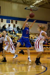 20120130_Girls_Basketball_B_Luverne_065_Noiseware4Full