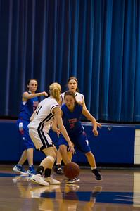 20120213_Girls_Basketball_B_JCC_082_Noiseware4Full