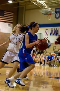 20120213_Girls_Basketball_B_JCC_052_Noiseware4Full