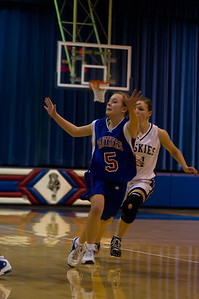 20120213_Girls_Basketball_C_JCC_007_Noiseware4Full