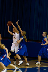 20120216_Girls_Basketball_A_Minneota_019_Noiseware4Full