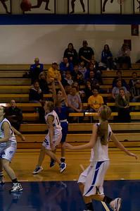 20120216_Girls_Basketball_B_Minneota_061_Noiseware4Full