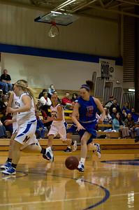 20120216_Girls_Basketball_B_Minneota_035_Noiseware4Full