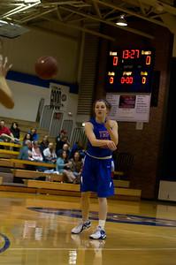 20120216_Girls_Basketball_B_Minneota_004_Noiseware4Full