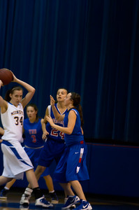 20120216_Girls_Basketball_B_Minneota_030_Noiseware4Full