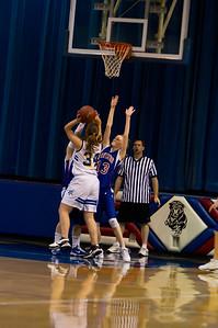 20120216_Girls_Basketball_C_Minneota_021_Noiseware4Full