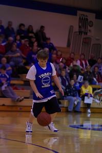 20110210_Basketball_Halftime_3-5_Graders_021