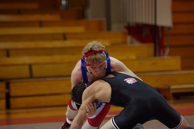 20110127_Wrestling_Varsity_Worthington_018