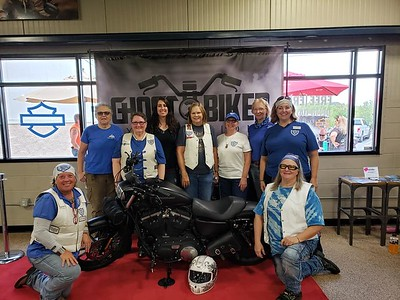 Awesome time in Chattanooga with Miranda Young of Ghost Biker Explorations - Shonna Payne Harrison is with Julie Simmons Livingood and Beverly Woods.