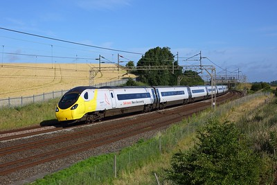 390042 on 1R19 Liverpool Lime Street to London Euston at Old Linslade on 22 June 2020  Avanti, Class390, WCML