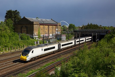 390115 working the 1F20 1603 London Euston to Liverpool Lime Street at Northwick Park on WCML on 5 June 2020  Avanti, Class390, WCMLLondon
