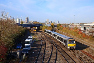 168004 on the 1H23 0730 Kidderminster to London Marylebone at Neasden south junction on the 8th November 2018