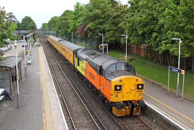 37099 tnt 37254 on the 1Q51 Derby to Eastleigh at Hounslow on the 9th May 2017
