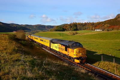 37219+37610 on the 1Q78 Inverness Millburn to Inverness Millburn via Thurso and Wick departing Rogart on the 28th October 2018