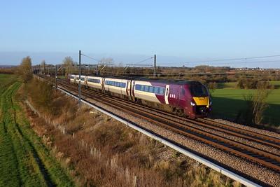 222011 working the 1B46 1312 Nottingham to St Pancras International at Wymington on 19 December 2020  Class222, EMR, MMLSouth