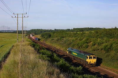 66501 powers the 4M89 Felixstowe to Ditton at Belstead Bank on the 15 June 2020  Freightliner66, GEML