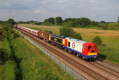 20227+20905 tnt 20132+20118 on the 7X09 Derby Litchurch Lane to Amersham at Branston on the 25th June 2014