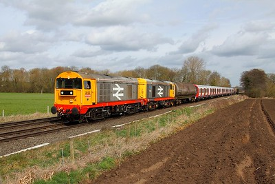 20132+20118 tnt 20107+20096 on the 7X09 Old Dalby to West Ruislip at East Goscote on the 30th March 2015