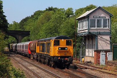 20905+20901 tnt 20096+20107 on the 7X09 Old Dalby to West Ruislip at Melton Mowbray on the 11th June 2015