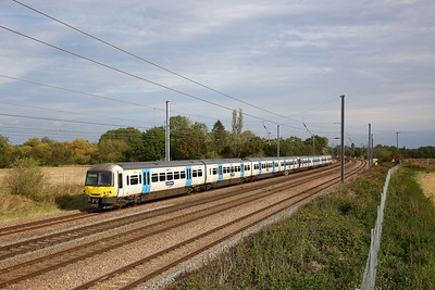 365534+365539 on the 1P20 0946 London Kings Cross to Peterborough at Great Paxton on the 5th October 2019