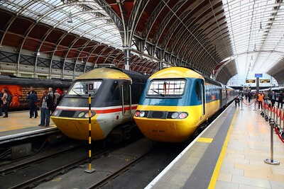 43002 and 43185 line up next to each other at London Paddington on the 18th May 2019 1