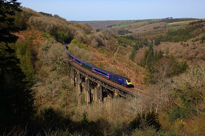 43024+43177 on the 1A85 1000 Penzance to Reading at Largin viaduct on the 18th April 2018  Only as far as Reading due to a power supply failure