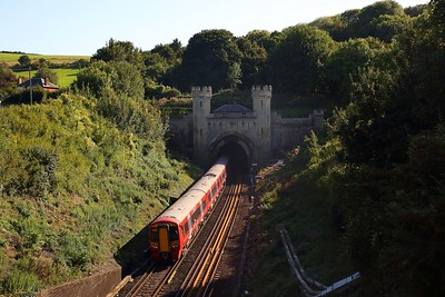 387218 on the 1W84 London Victoria to Brighton at Clayton tunnel on the 1st September 2018