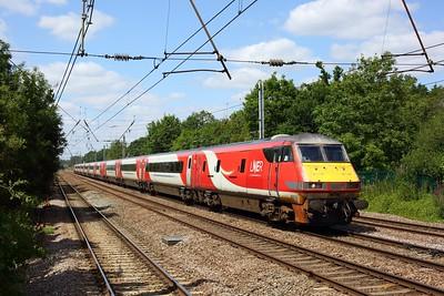 82213 leading 91109 working 1Y84 1202 York to London Kings Cross at Welham Green on 17 July 2020  DVT, LNER, ECMLSouth