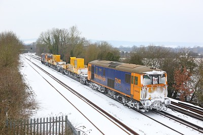 73141 tnt 73212 on the 3Y03 Tonbridge West Yard circular going to Gillingham via Bromley at Otford Junction on the 1st March 2018
