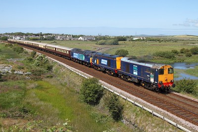 20303 leads 20309 and 47818 working 1Z31 1439 Holyhead to Crewe Northern Belle at Valley on 19 June 2011  Class20, NorthWalesCoast, DRS