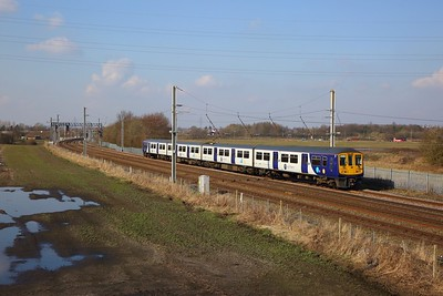 319369 on the 2F34 1302 Liverpool Lime Street to Warrington Bank Quay at Winwick junction on the 6th March 2020