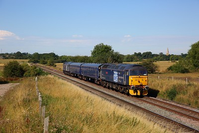 47813 leads 47815 on 5Q59 Derby Litchurch Lane to Old Dalby at Copleys Brook, Kirby Bellars on 7 August 2020
