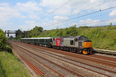 37800+387150 on the 5X74 Bletchley to Reading EMUD at Bourne End on the 25th May 2017