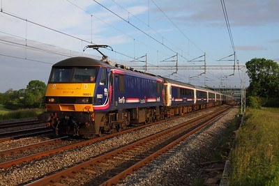 90021 Cathiron with the 1M16 Inverness to London Euston night sleeper at Cathiron on 23rd June 2012