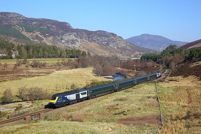 43125+43012 on the 1B52 0944 Inverness to Edinburgh at Crubenmore on the 22nd April 2019