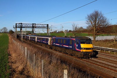 90024 1M16 Inverness to London Euston at Cow Roast on the 28th December 2013