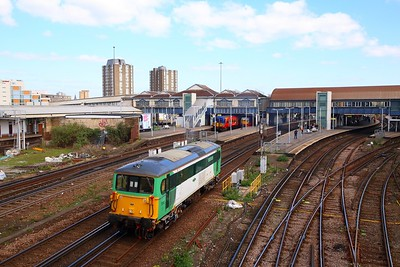 73202 on the 0Z73 Stewarts Lane to St Leonards at Clapham junction on the 10th April 2019