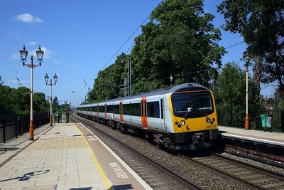 360201 working 9P45 1052 Heathrow Terminal 5 to London Paddington at Hanwell on 1 June 2020  TFL, Class360, GWMLLondon