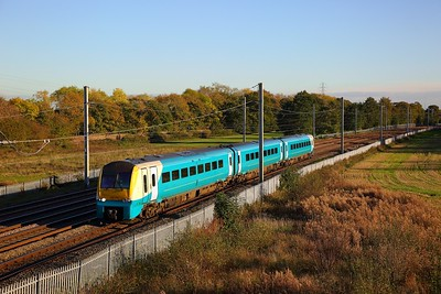 175115 on the 1H90 1440 Llandudno to Manchester Piccadilly at Winwick junction on the 18th October 2018