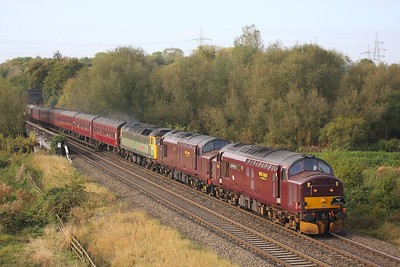 37676 leading 37516 and 47851 on 1Z64 Taunton to York at Lea Marston on 17 October 2009  Class37, BirminghamDerbyline, WCRC