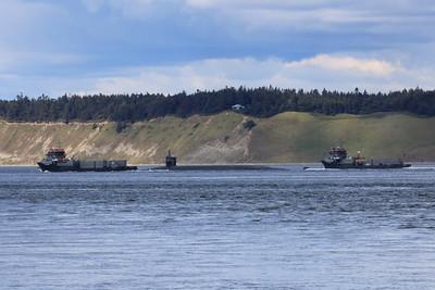 USS Alabama with USNS Arrowhead and USNS Eagleview