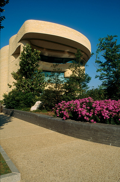 NATIVE AMERICAN MUSEUM IN WASHINGTON D.C.