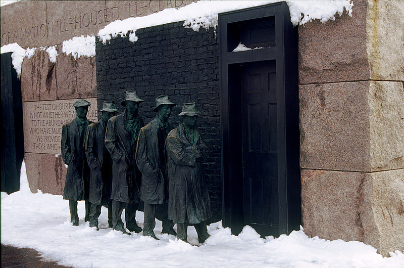 SOUP LINE STATUES AT THE FRANKLIN DELANO ROOSEVELT MEMORIAL IN WASHINGTON D.C.